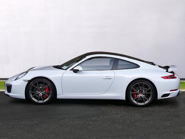 Porsche 911 Carrera-2