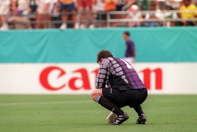 A dejected Packie Bonner 1994
