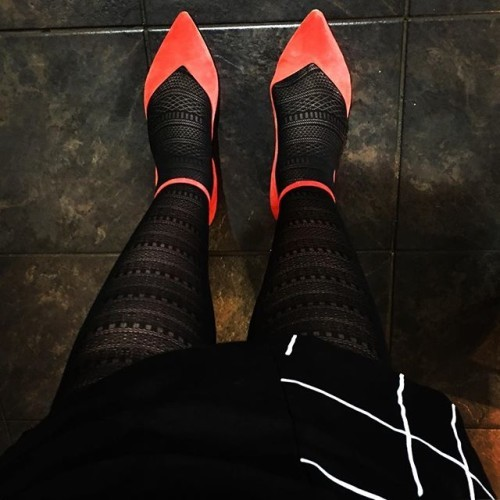 Colour pop... #black #red #work #style #fashion #redshoes #colour #colourpop #colourtherapy #workworkworkworkwork #creative #freelancer #journalist #stockings #lbd #littleblackdress #workingmum #workdress #positivity #positivevibes #humpday #shoes #shoeporn #fancyflats #geometric #workit #redgoesfaster #sotd #ootd #luxury