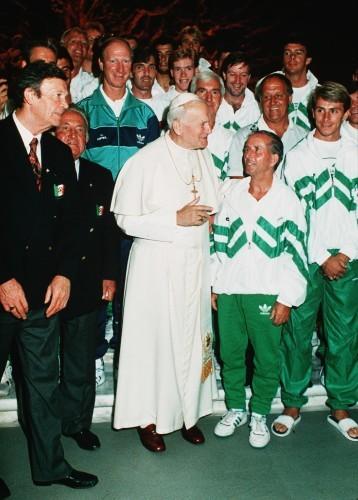 The Irish team meet Pope John Paul II 1990