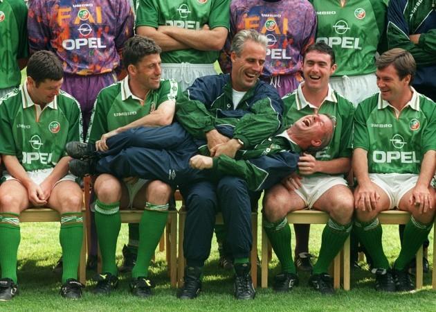 Irish soccer team sharing a joke 1996