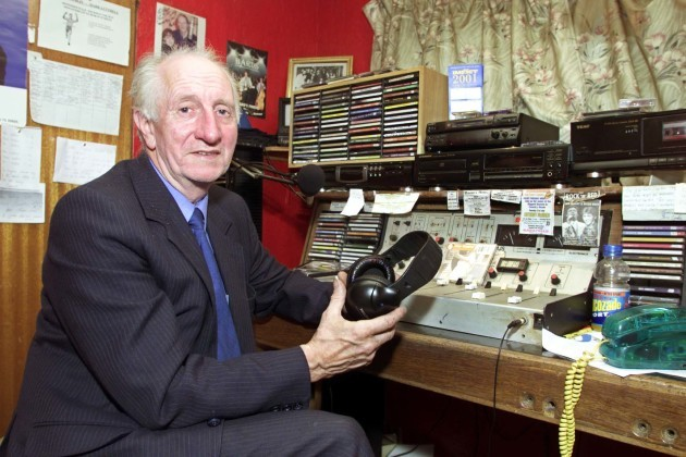 01/08/01 EAMON COOKE OF RADIO DUBLIN PICTURED AT T