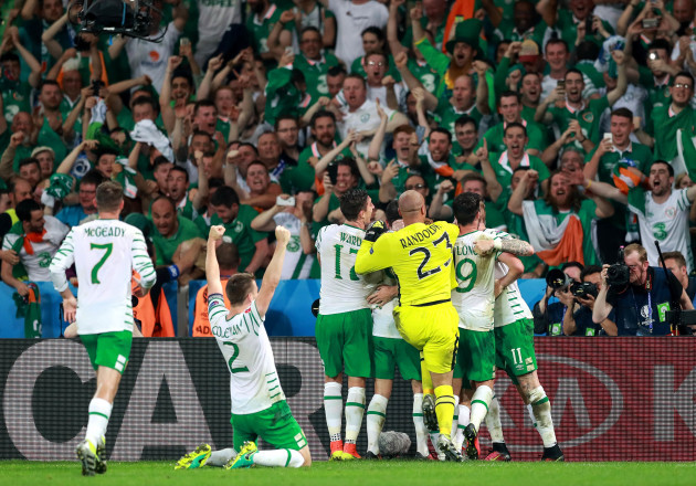 Ireland players celebrate at the final whistle