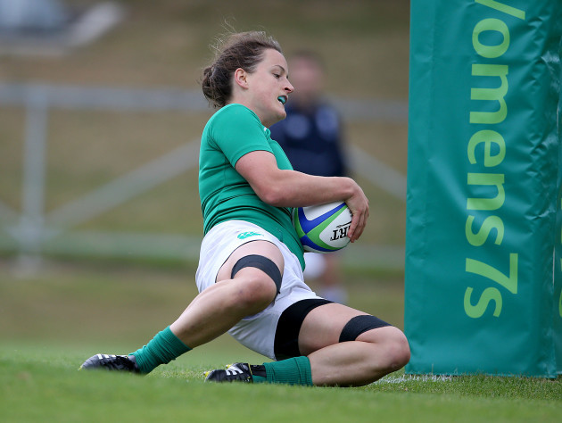 Audrey O'Flynn scores a try