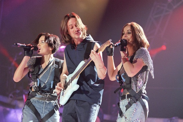 IRISH GIRL GROUP B*WITCHED IN CONCERT AT WEMBLEY ARENA IN LONDON