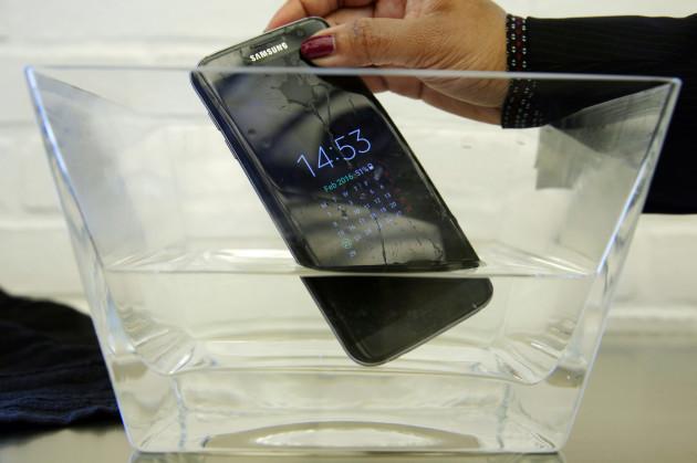 TEC-Samsung-Water-Resistant Phone