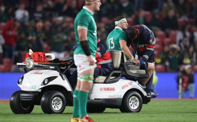 Ireland's Robbie Henshaw goes off injured