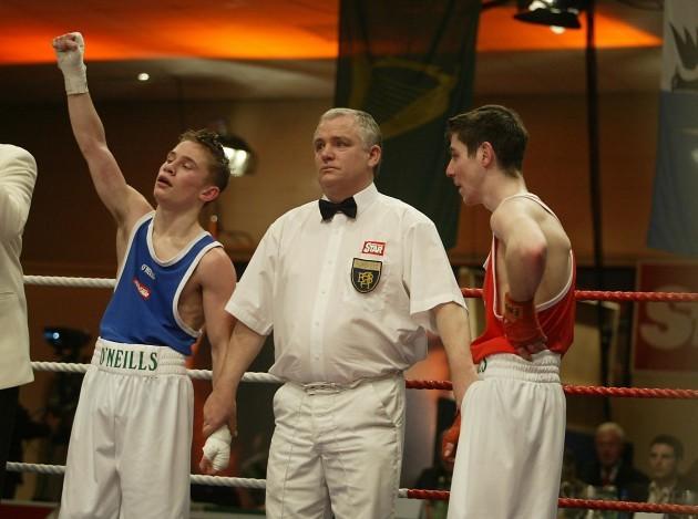 Carl Frampton wins his bout with Derek Thorpe  18/3/2005