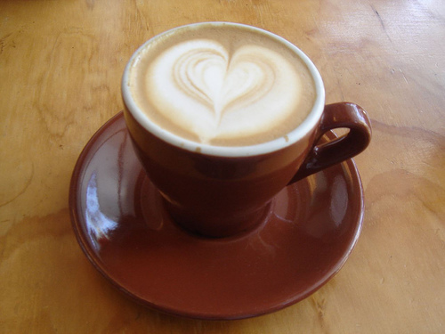 Wet_Cappuccino_with_heart_latte_art