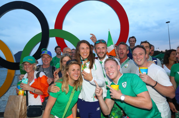 Annalise Murphy celebrate's with her family at her medal ceremony