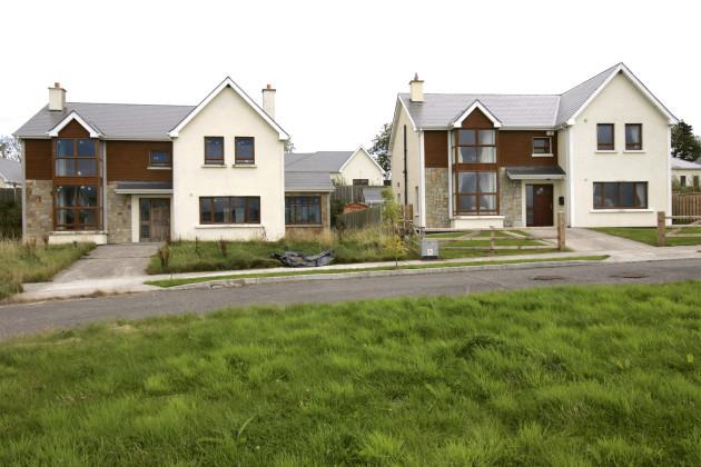 25/8/2011 Ghost Housing Estates