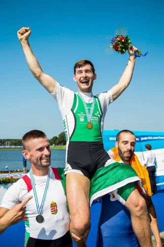 Paul O'Donovan celebrates winning gold