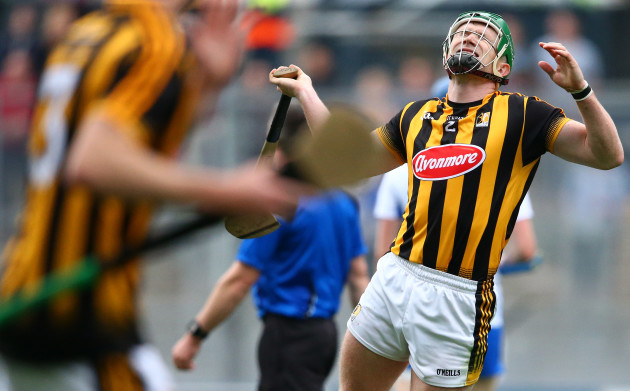 Paul Murphy reacts to missing a point