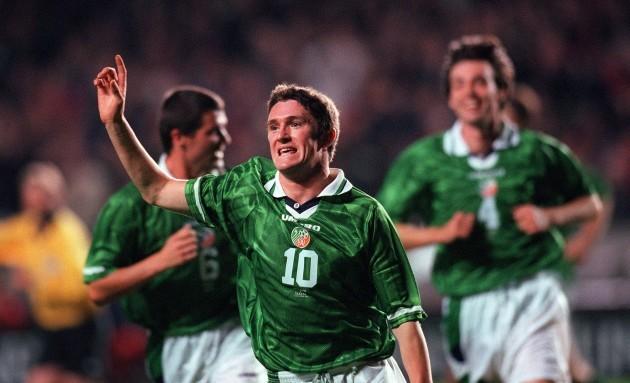 Robbie Keane celebrates his first goal 14/10/1998