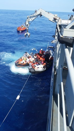 LÉ James Joyce Rescues 423 migrants in Search and Rescue Operation 40 miles NW of Tripoli