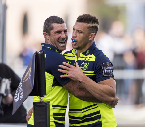 Zane Kirchner celebrates his try with Rob Kearney