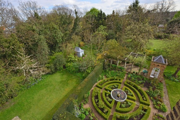 while-most-properties-in-central-london-struggle-for-green-space-vanbrugh-is-set-within-25-acres-of-formal-lawns-and-woodland-it-also-has-its-own-knot-garden