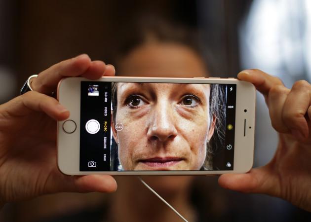 Apple iPhone 7 goes on sale