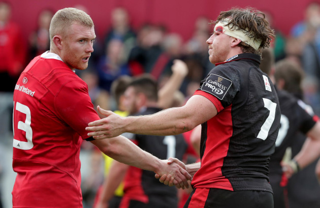 Keith Earls shakes hands with Hamish Watson
