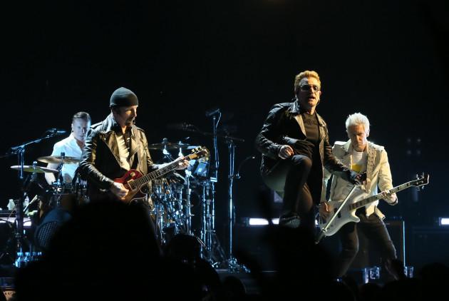 U2 live in Belfast