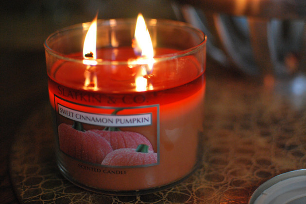 Pumpkin-Scented 3-Wick Candle