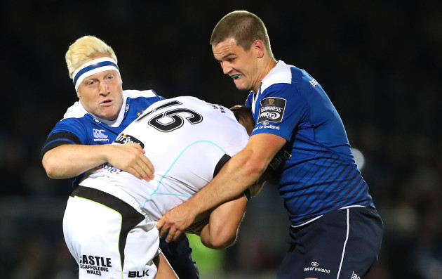 James Tracy and Jonathan Sexton tackle Sam Parry