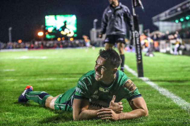 Cian Kelleher  scores his sides fourth try