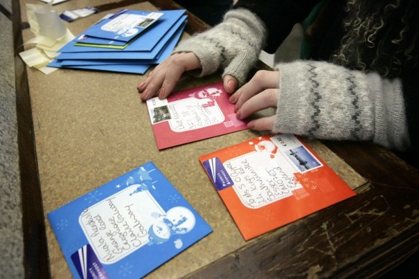 posting christmas cards at the gpo today - Send Christmas Cards