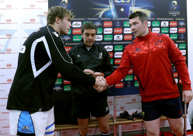 Peter O'Mahony and Jonny Gray with Jérôme Garcès
