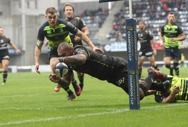 Montpellier's Nemani Nadolo scores a try