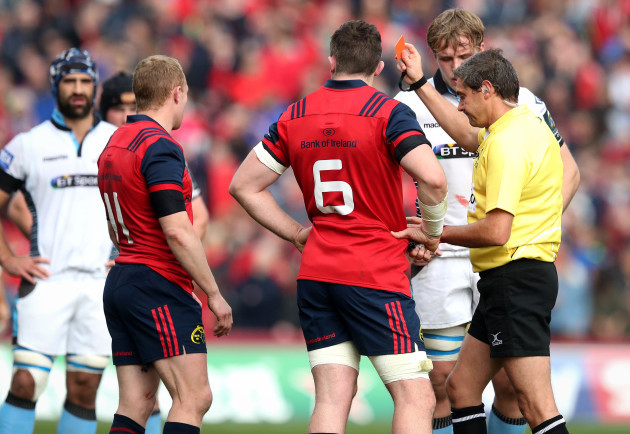 Keith Earls is sent off by Referee Jerome Garces