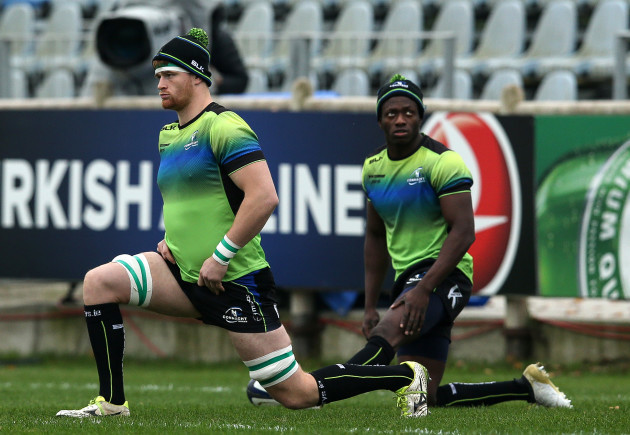 Sean O'Brien and Niyi Adeolokun during the warm up