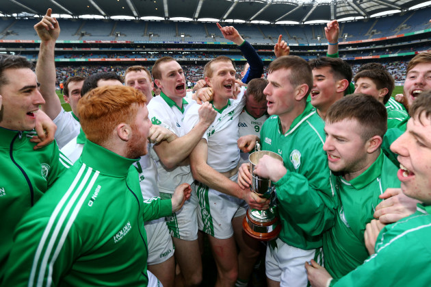 Henry Shefflin and the Ballyhale Shamrocks players celebrate