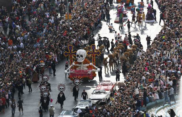 Day of the Dead: Mexico City mimics Spectre scene in a