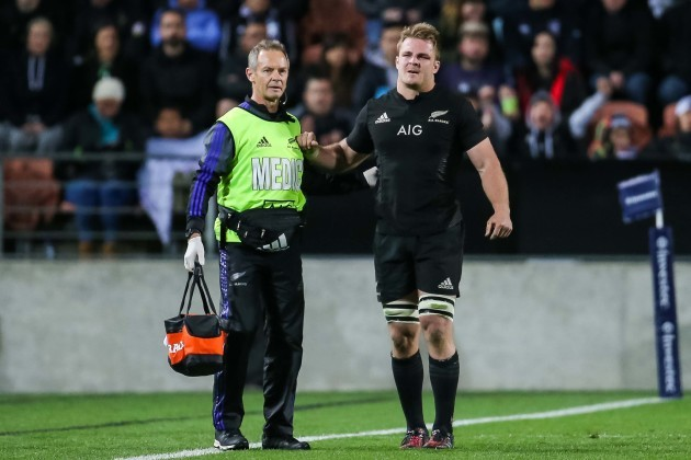 Sam Cane gets medical attention