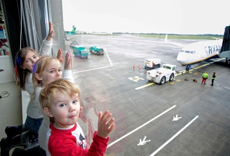Shannoin Airport Santa Flights 2015