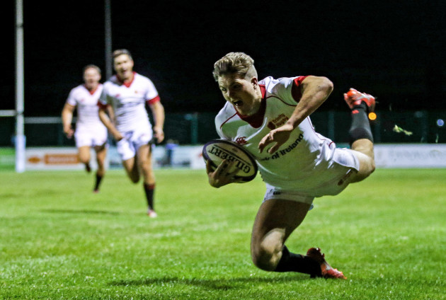 Michael Courtney scores a second try