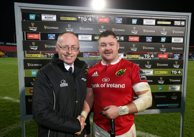 Dave Kilcoyne is presented with the Guinness PRO12 Man of the Match award by Michael Lyons