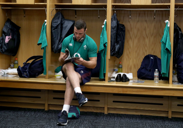Robbie Henshaw in the dressing room