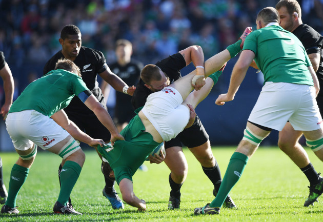 Joe Moody spear tackles Robbie Henshaw, resulting in a yellow card
