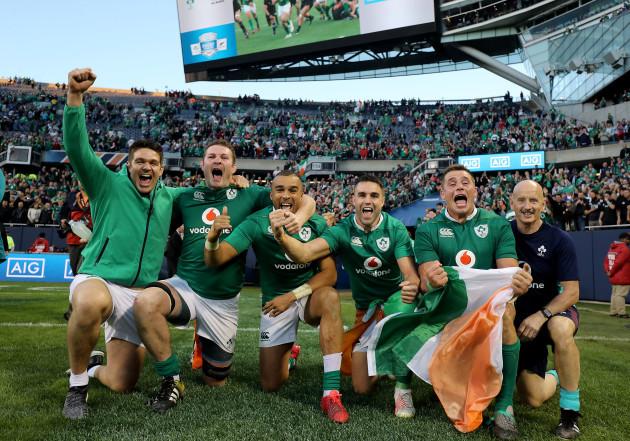 Billy Holland, Donnacha Ryan, Simon Zebo, Conor Murray and CJ Stander celebrate winning