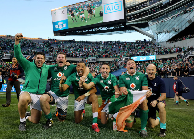 Billy Holland, Donnacha Ryan, Simon Zebo, Conor Murray and CJ Stander celebrate winning