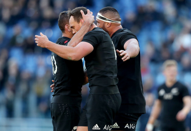 Israel Dagg celebrates his try with Aaron Cruden and Charlie Faumuina