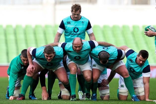 A view of the Irish team scrum training
