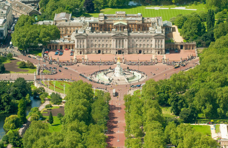 Buckingham Palace reservicing