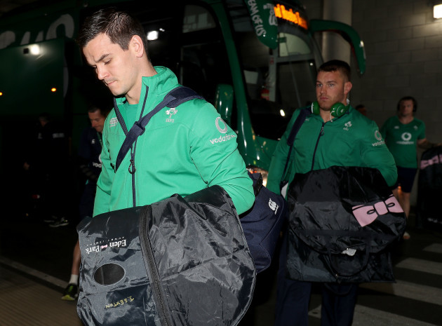 Jonathan Sexton arrives for the game