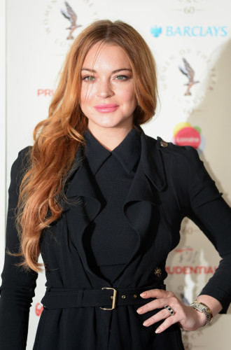 Lindsay Lohan Kettering Christmas light switch on