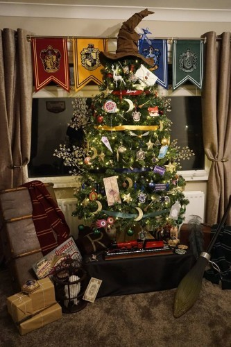 harry potter fans will absolutely adore this womans magical christmas tree - Harry Potter Christmas Decorations