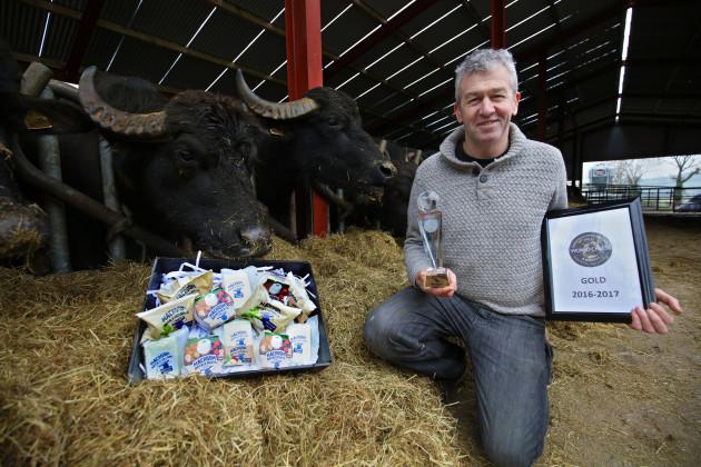 World Award Buffalo Cheese1