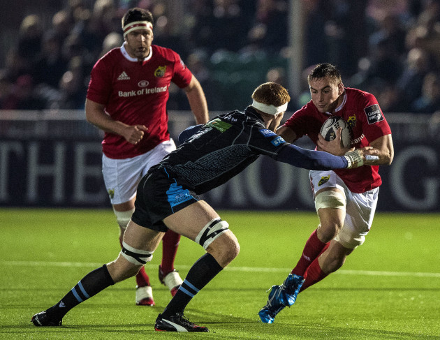 Rob Harley tackles Tommy O'Donnell